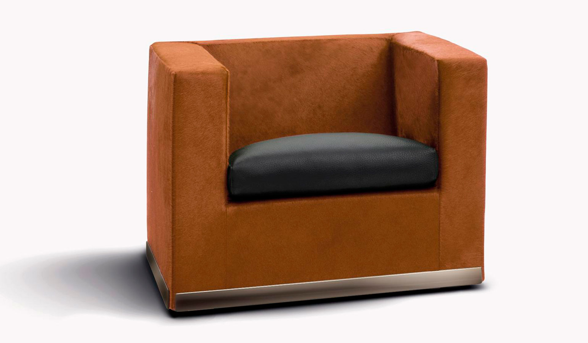Minotti Suitcase Armchair designed by Rodolfo Dordoni